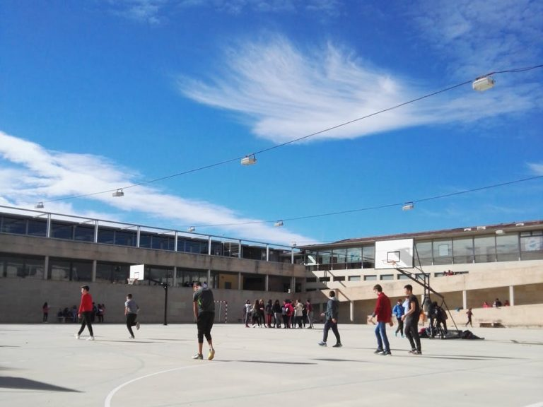 Neustrukturierung des Unterrichts aufgrund der Schulschließungen