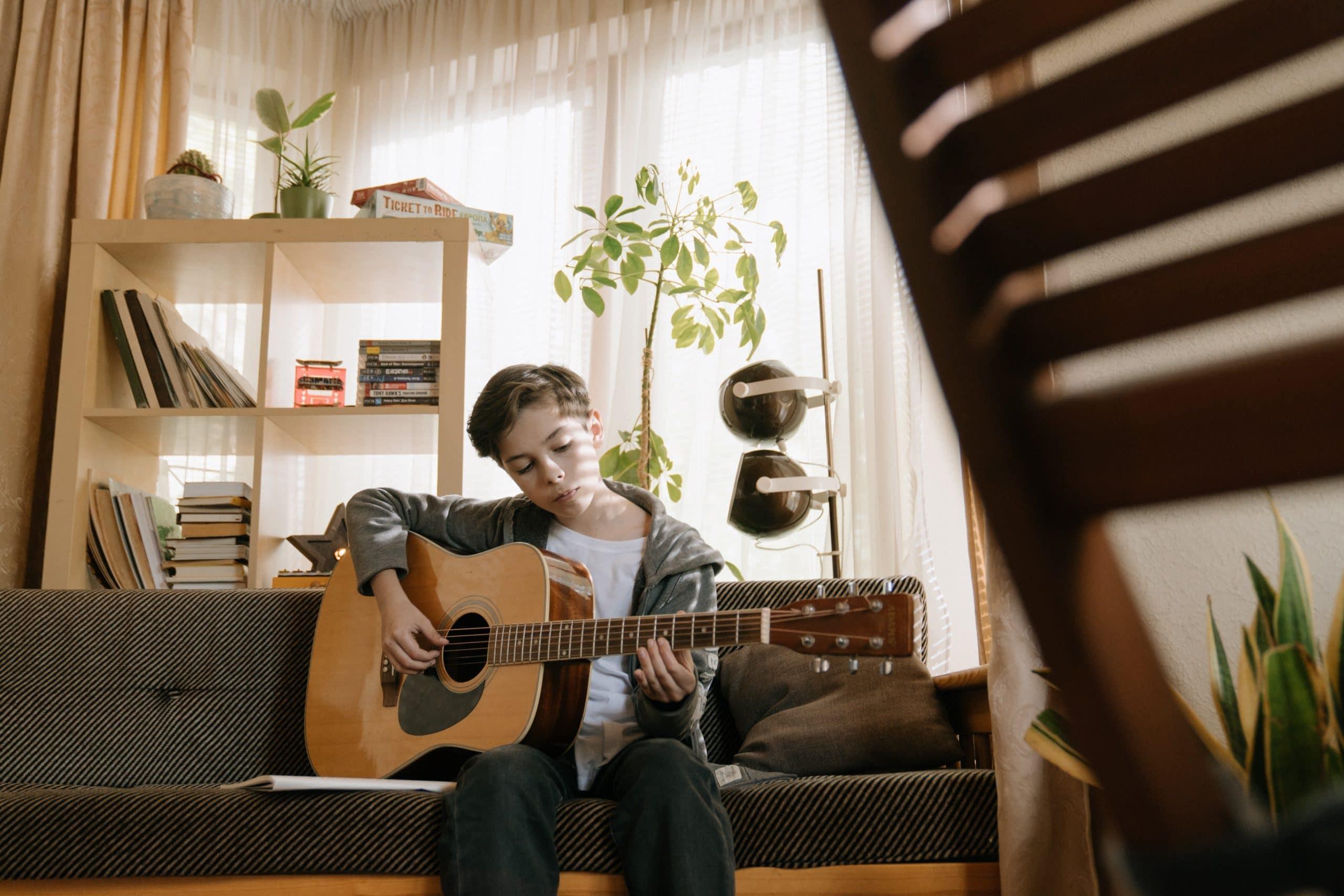 Ratgeber für Eltern – Kindergitarren